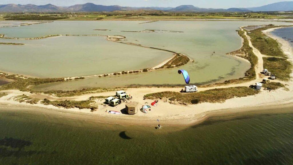 Luftaufnahme des Kitespots Porto Botte Sardinien