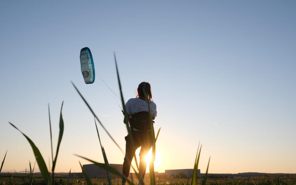 Kitetraining mit Abendstimmung