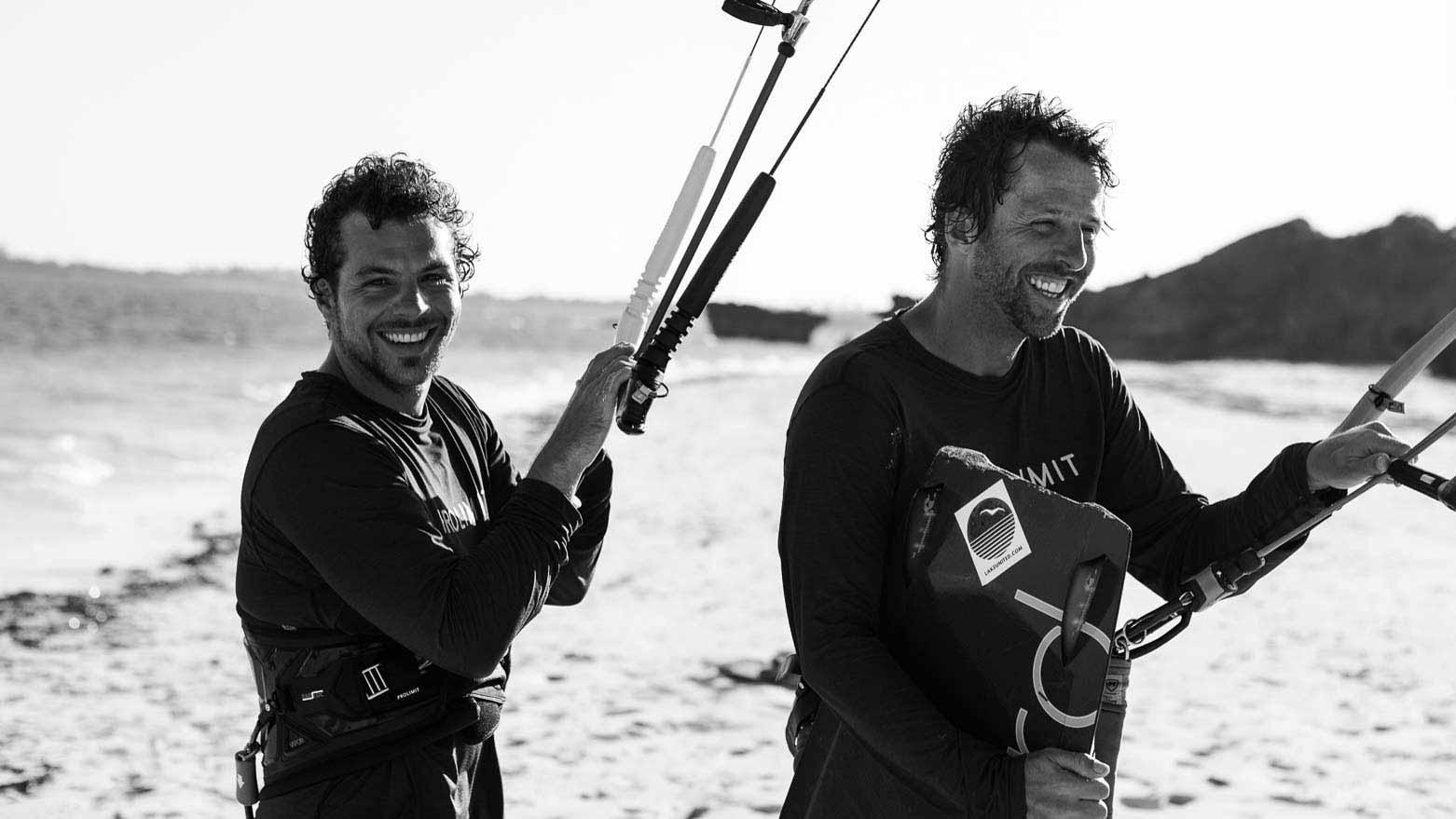 Olsen und Patrick am Strand