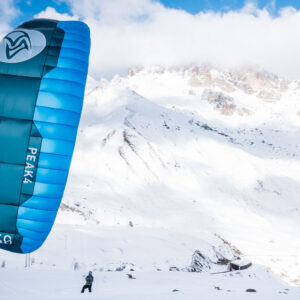 Flysurfer Peak am Schnee