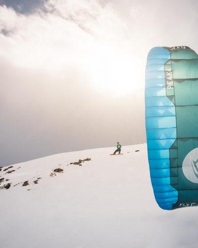 Flysurfer Peak mit Schneelandschaft